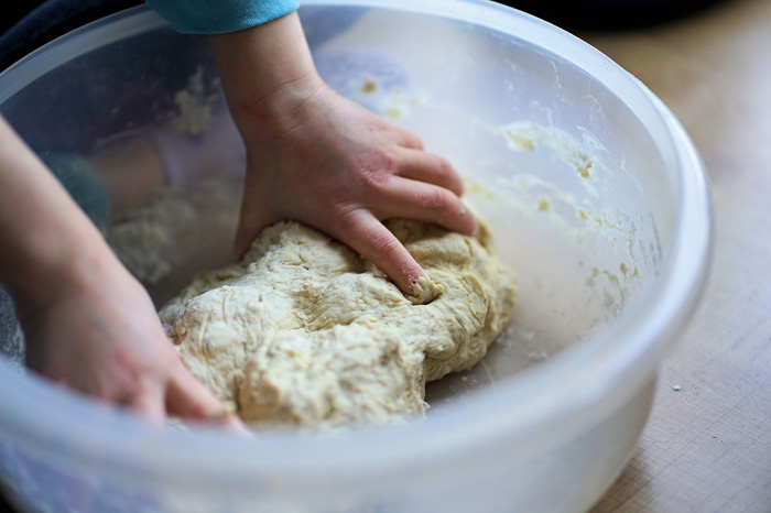 the process of making pizza dough
